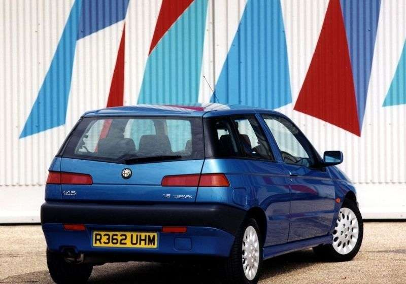 Alfa Romeo 145 930 [restyling] 1.6 MT hatchback (1999–2001)