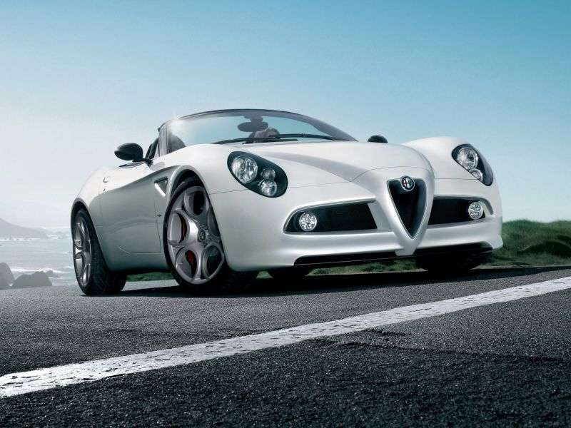 Alfa Romeo 8C Competizione 1.generacja Spider cabrio 4.7 MT (2008 2010)
