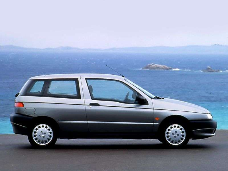 Alfa Romeo 145 930hatchback 2.0 MT (1995–1998)