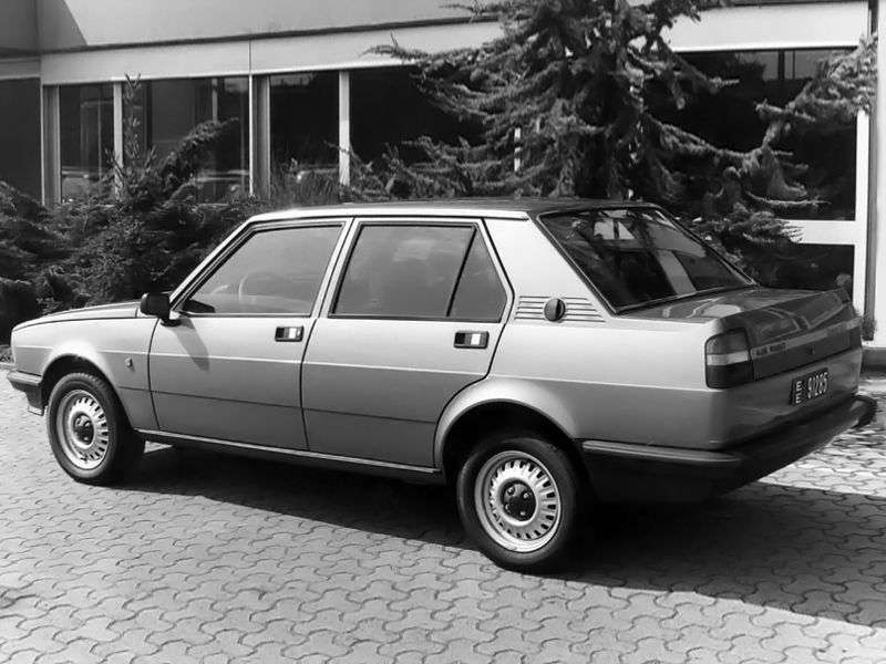 Alfa Romeo Giulietta 116seedan 1.6 MT (1977 1981)