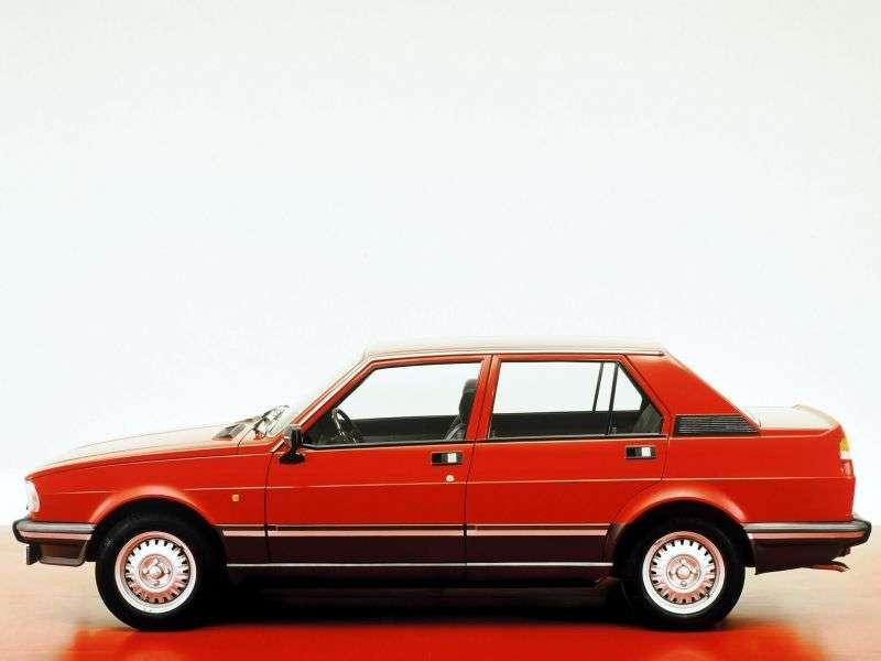 Alfa Romeo Giulietta 116 [zmiana stylizacji] sedan 1.8 MT (1981 1983)