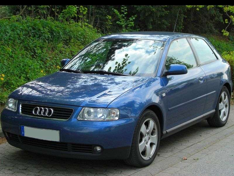 Audi A3 8L [restyling] 1.6 AT hatchback (2001–2002)