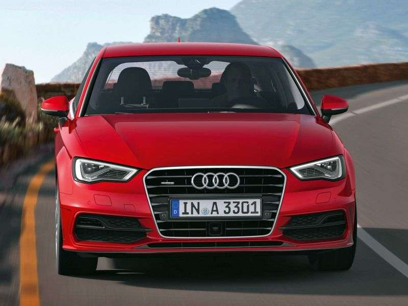 Audi A3 8V hatchback 1.8 TFSI MT Attraction (2012 obecnie)