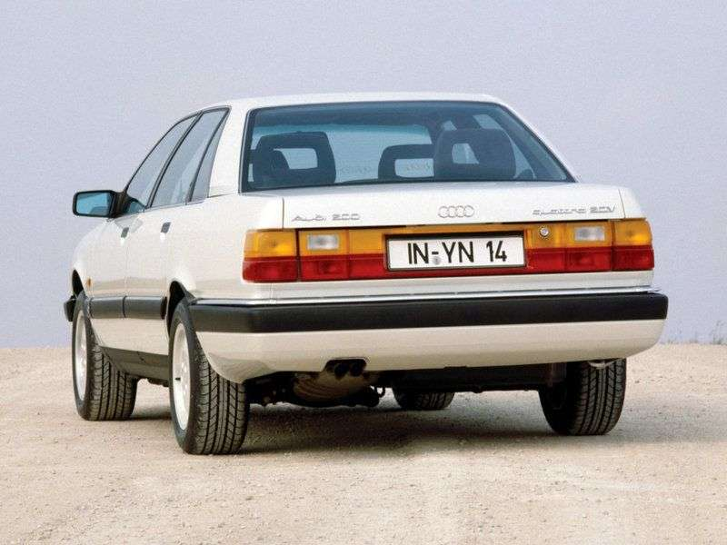 Audi 200 44.44Qsedan 2.1 Turbo MT (1983–1988)