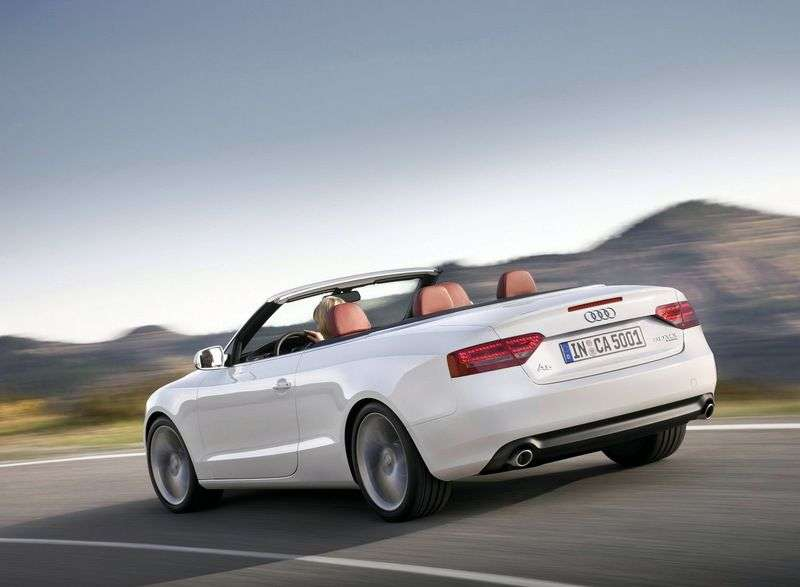 Audi A5 1st generation convertible 2.0 TFSI quattro AMT Basic (2009–2011)