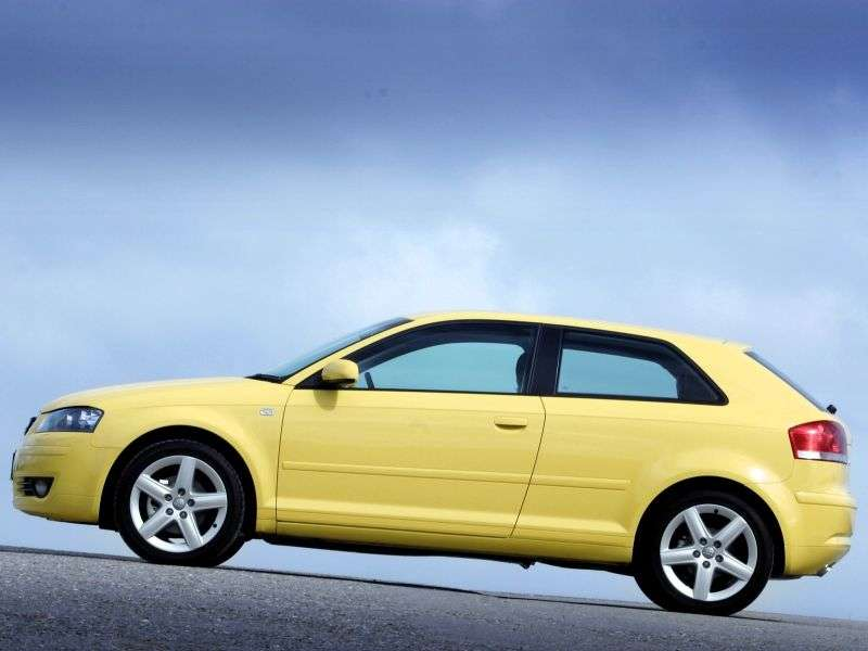 Audi A3 8Phetchbek 3 dv. 1.6 Tiptronic (2003–2005)