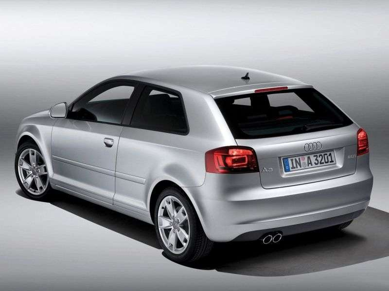 Audi A3 8P / 8PA [2nd restyling] 3 bit hatchback 1.8 TFSI MT Ambition (2008–2012)