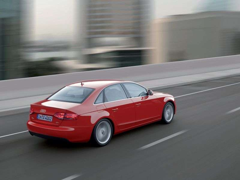 Audi A4 B8sedan 4 bit 3.2 FSI quattro AT Basic (2007–2011)