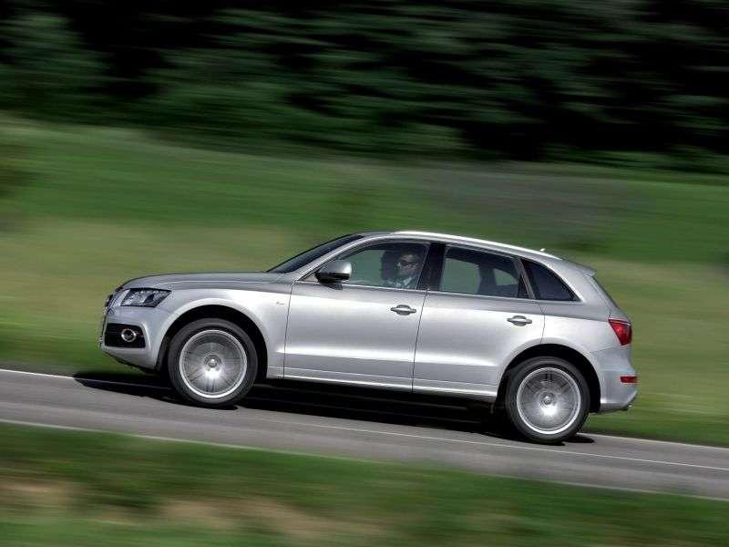 Audi Q5 1st generation crossover 2.0 TFSI quattro MT Basic (2008–2012)