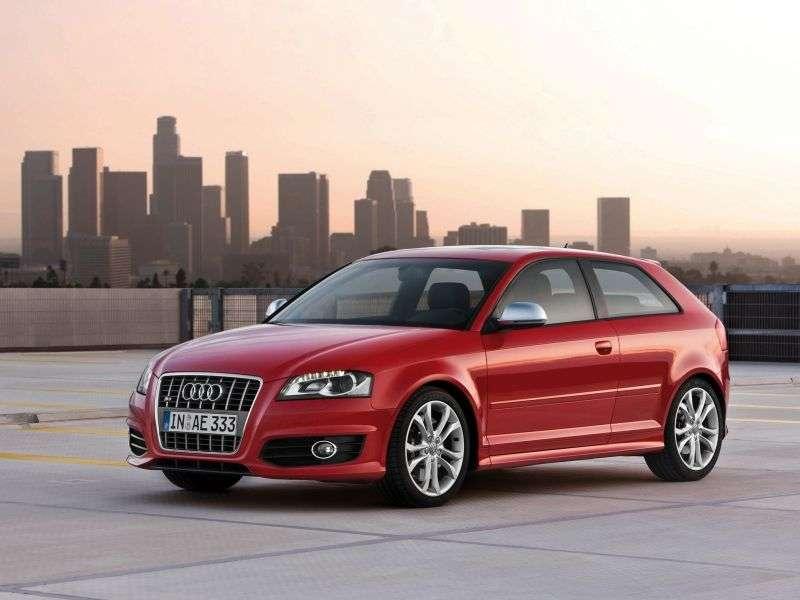 Audi S3 8P / 8PA [restyling] 3 bit hatchback 2.0 TFSI quattro MT Basic (2008–2012)