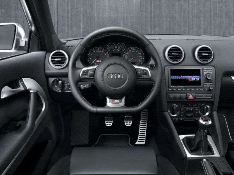 3 drzwiowe Audi S3 8P hatchback 2.0 TFSI quattro MT (2006 2008)