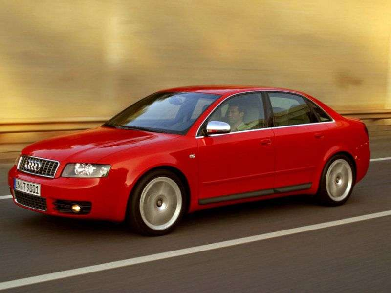 Audi S4 B6,8 Hsedan 4.2 quattro MT (2003–2004)