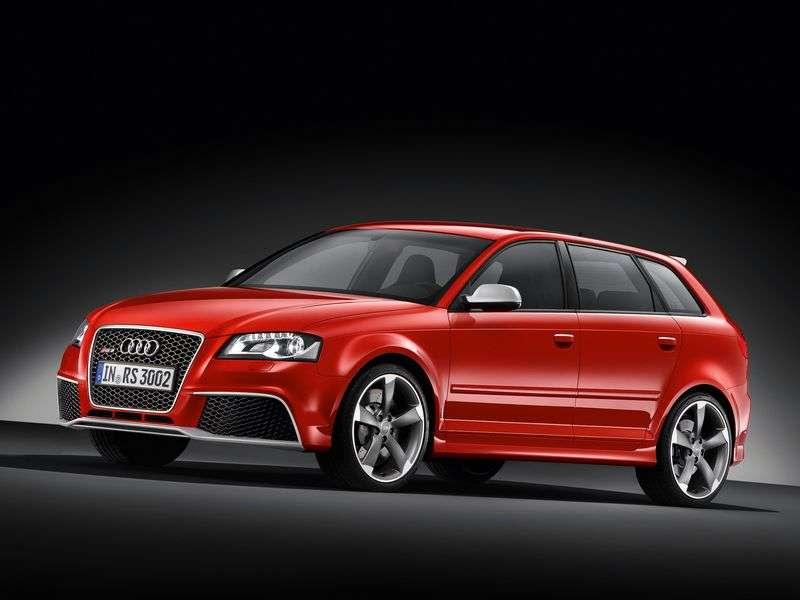 Audi RS3 8PASportback hatchback 2.5 TFSI quattro S tronic Basic (2011–2012)