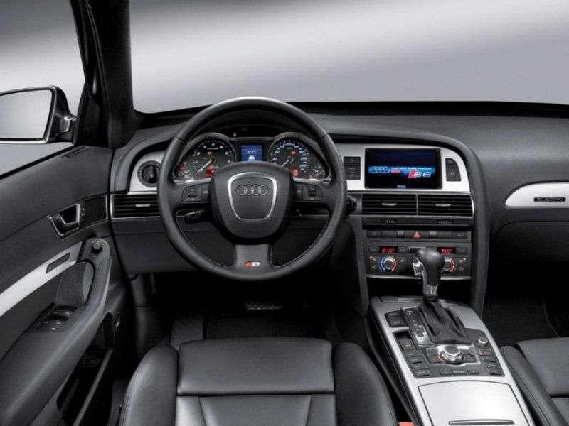 Audi S6 C6universal 5.2 FSI V10 quattro AT (2006–2008)