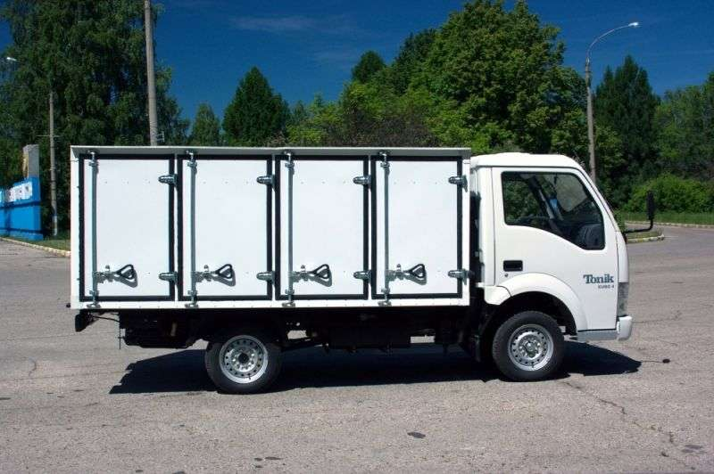 BAW Tonik 1st generation van 1.3 MT Manufactured goods van (2012) (2012 – current century)
