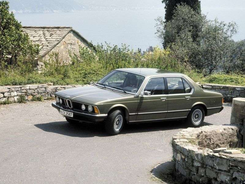 BMW 7 Series E23sedan 745i AT (1980–1982)