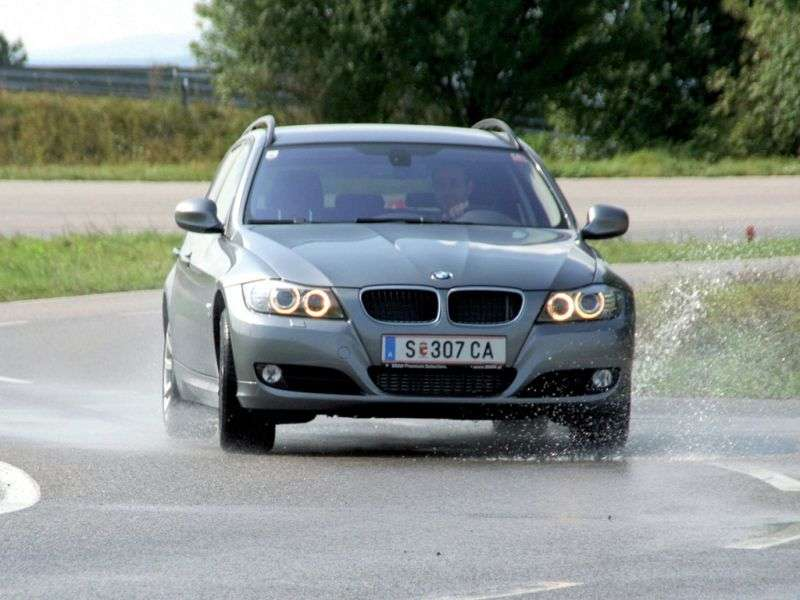 BMW 3 Series E90 / E91 / E92 / E93 [Restyling] Touring Wagon 330i xDrive MT (2009–2011)