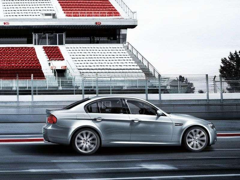 BMW serii M E90 / E91 / E92 / E93 3 sedan 4.0 MT Base (2008 2012)