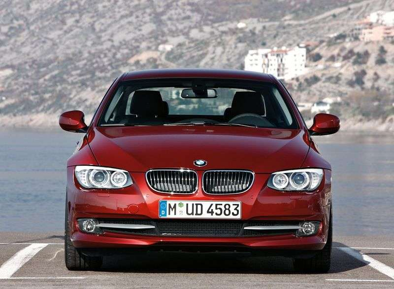 BMW 3 Series E90 / E91 / E92 / E93 [Restyling] Coupe 325i AT Special Series (2010 – AD)