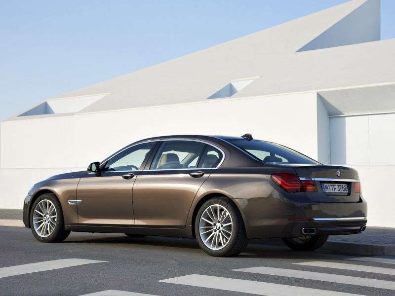 BMW 7 Series F01 / F02 [restyling] AT 740i Sedan (2012 – n.)