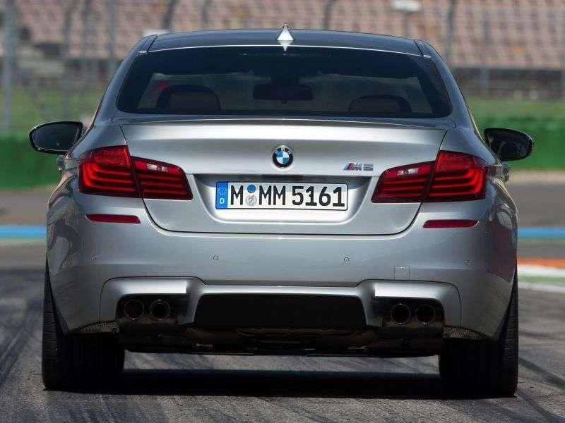 BMW M Series F10 / F11 5 Series [Restyling] Sedan 4.4 M DKG Basic (2013 – AD)