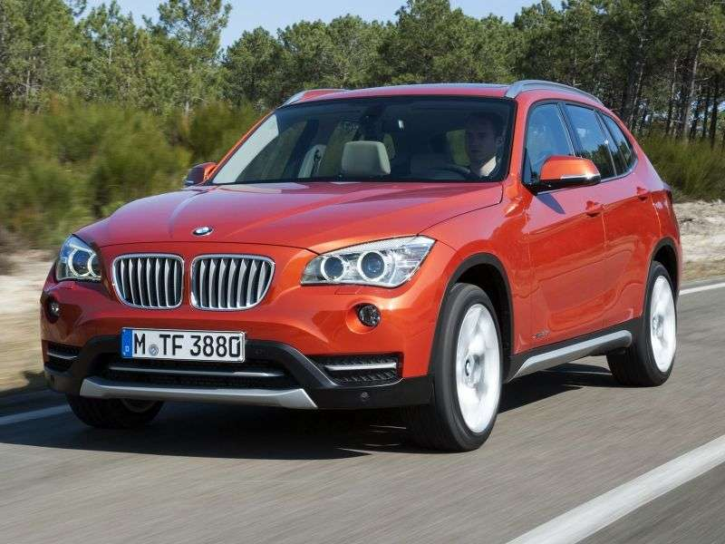 BMW X1 E84 [restyled] xDrive20i MT xLine crossover (2012 – current century)