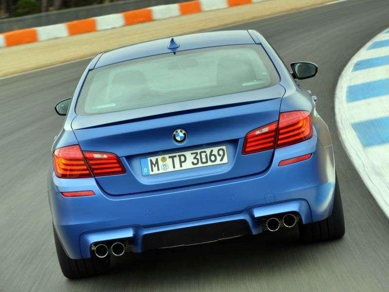 BMW serii M F10 / F11 5 seria [zmiana stylizacji] sedan 4.4 M DKG Base (2013 obecnie)