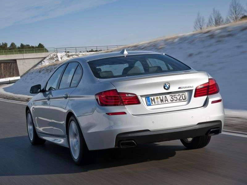 BMW 5 Series F10 / F11sedan 528i xDrive AT Luxury. Local Assembly (2010 – present)