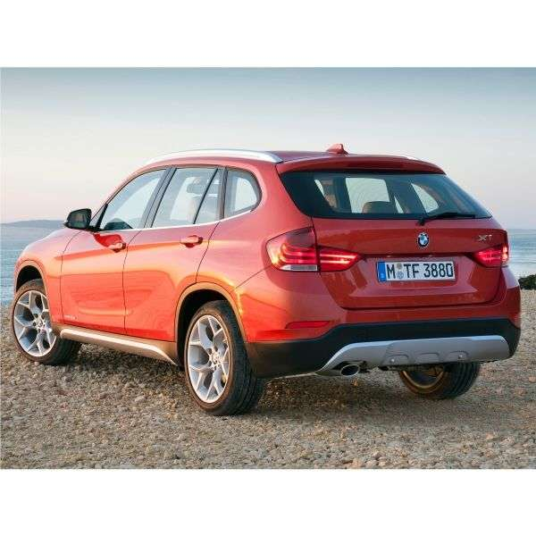 BMW X1 E84 [restyled] sDrive20i MT crossover (2012 – current century)
