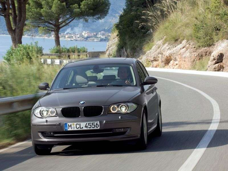 BMW 1 Series E81 / E82 / E87 / E88 [restyling] 5 door hatchback 120d MT Basic (2007–2011)