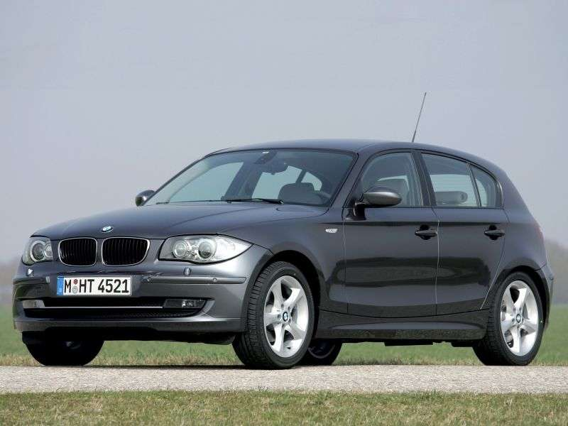 BMW 1 Series E81 / E82 / E87 / E88 [restyling] 5 door hatchback 116i AT (2009–2011)