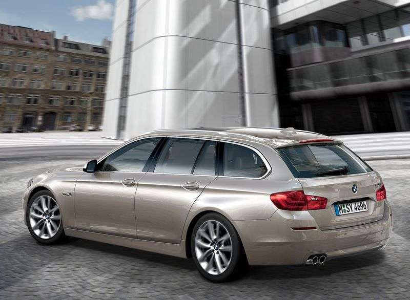 BMW 5 Series F10 / F11Touring 528i AT Touring (2011 – present)