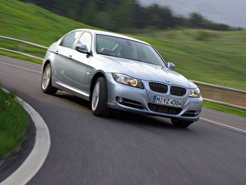 BMW 3 Series E90 / E91 / E92 / E93 [Restyling] 330i MT Sedan (2009–2011)