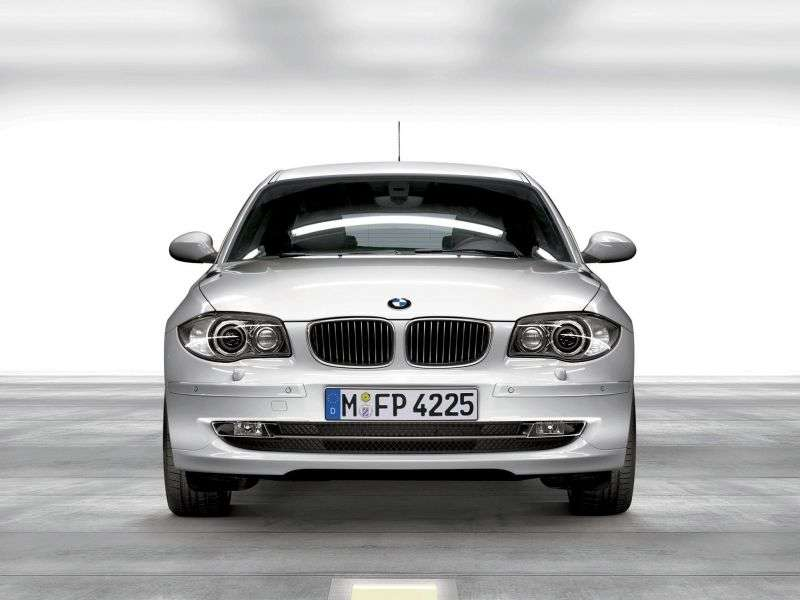 BMW 1 Series E81 / E82 / E87 / E88 [restyling] 3 bit hatchback 130i MT EU (2007–2009)