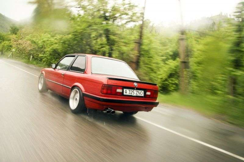 BMW 3 Series E30 [restyling] Sedan 316 MT (1987–1988)