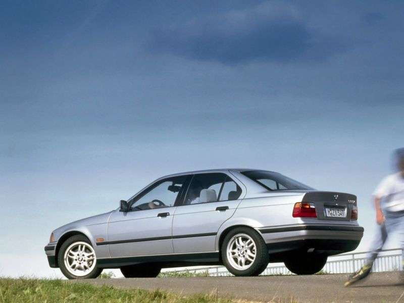 BMW 3 Series E36sedan 325i AT (1990–1991)