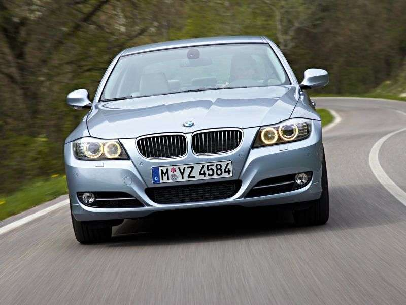 BMW 3 Series E90 / E91 / E92 / E93 [restyling] 320d xDrive MT sedan Basic (2010–2011)