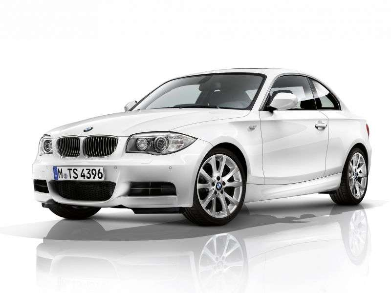 BMW 1 Series E82 / E88 [2nd Restyling] Coupe 123d AT Basic (2010 – current century)