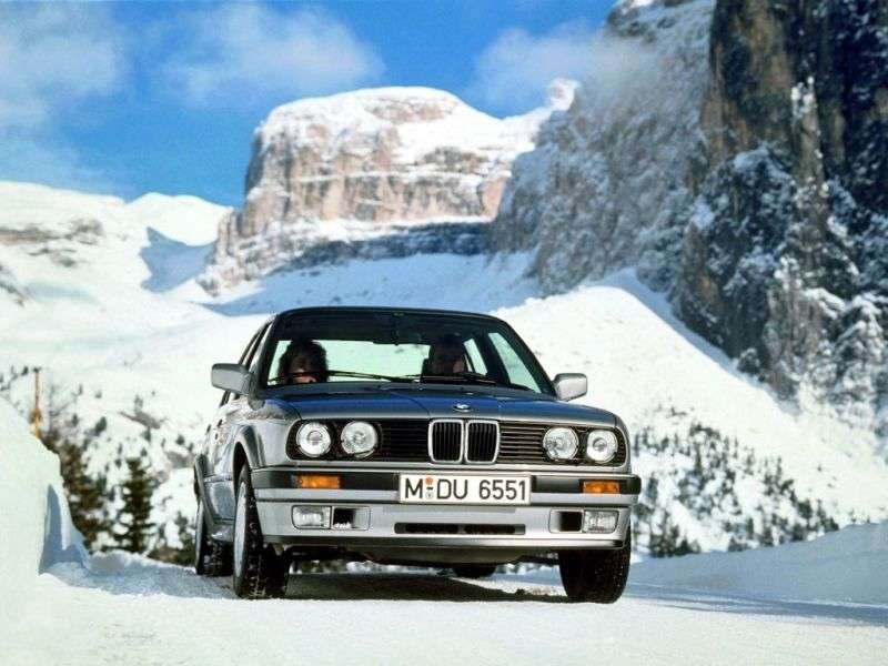BMW 3 Series E30 [restyling] 4 door sedan. 318i MT (1990–1991)