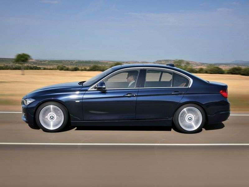 BMW 3 Series F30 / F31sedan 318d xDrive MT (2013 – n.)