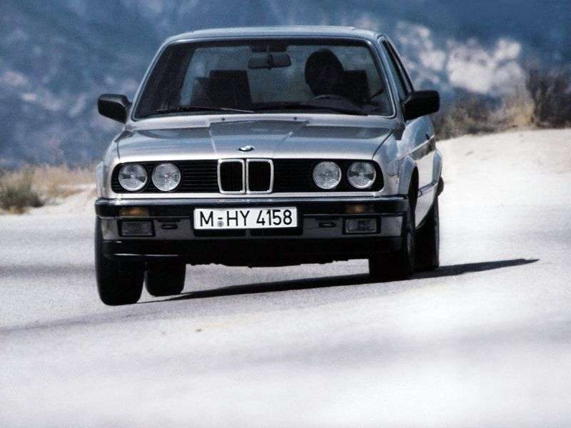 BMW 3 Series E30sedan 2 bit 318i 4MT (1982 1987)
