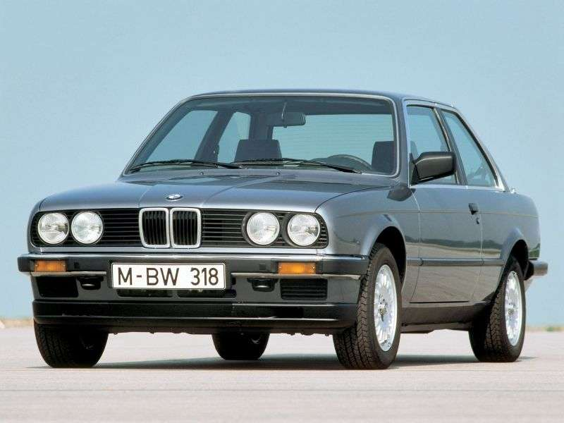 BMW 3 Series E30sedan 2 bit 318i kat MT (1985 1987)