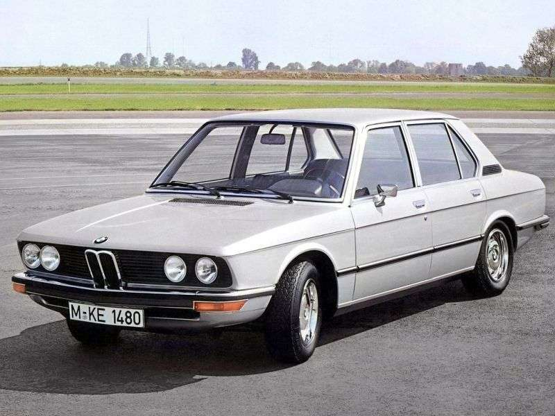 BMW 5 Series E12sedan 518 MT (1974–1976)