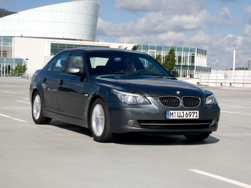 BMW 5 Series E60 / E61 [Restyling] 528i xDrive MT Sedan (2008–2010)