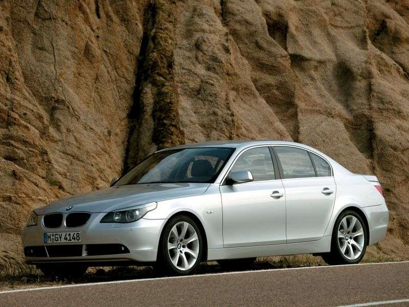BMW 5 Series E60 / E61xedan 525i AT (2004–2005)