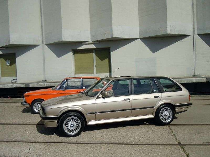 BMW 3 Series E30 [restyling] Touring wagon 325i kat MT (1988–1993)