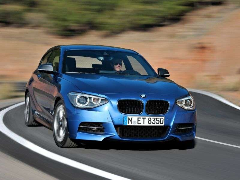 BMW 1 Series F20 / F21htchbek 3 dv. 116d AT (2012 – n. In.)