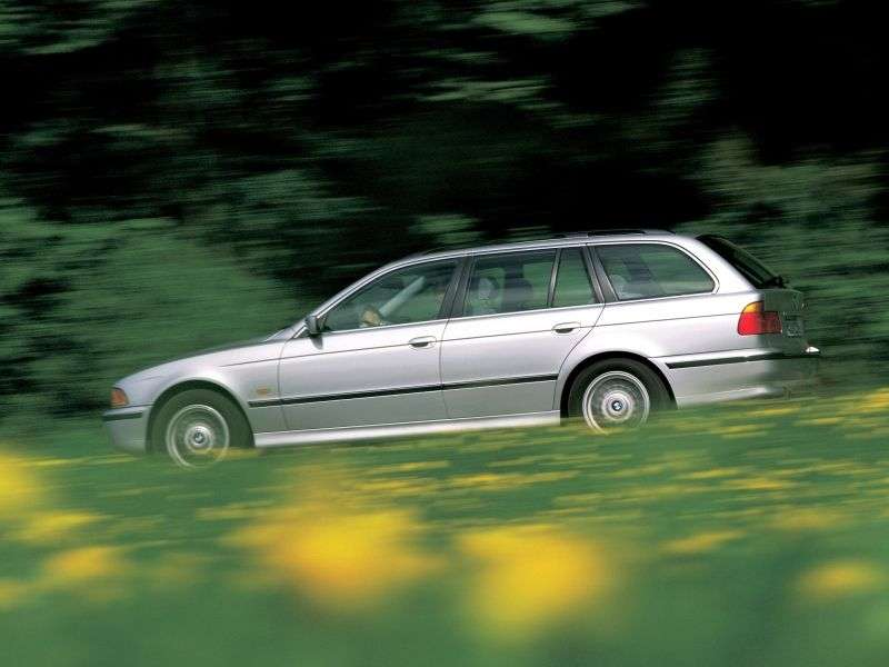 BMW 5 Series E39Touring Wagon 530d AT (1998–2000)