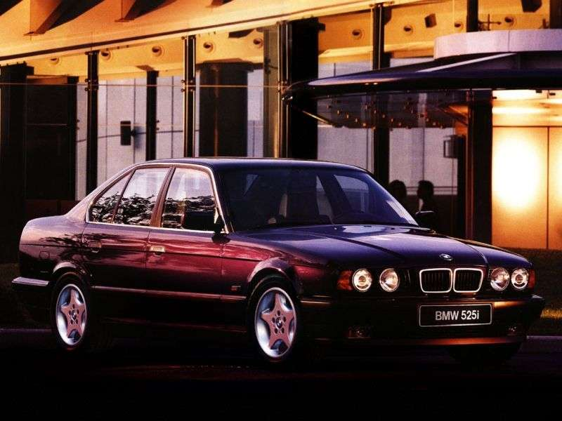 BMW 5 Series E34sedan 525i 5AT (1990–1992)