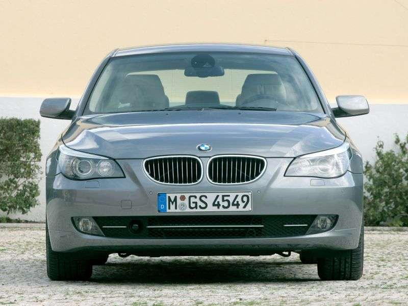 BMW 5 Series E60 / E61 [Restyling] Sedan 528i MT (2008–2010)